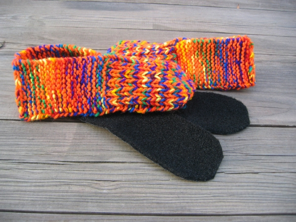 Orange seamless slippers