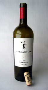 Hullabaloo-wine-002